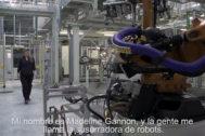 'La artista que susurra a los robots' se inspira en la fábrica de Seat Martorell