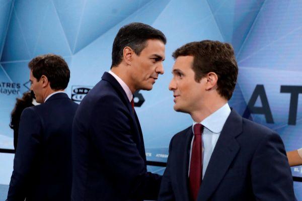 Pedro Sánchez y Pablo Casado, en el debate electoral de Atresmedia,...