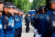 Agentes de la Policía Municipal, durante el desfile del cuerpo el pasado mes de junio