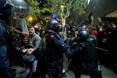 194 agentes heridos en tres días de violencia en Cataluña