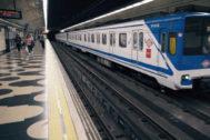 Los héroes anónimos de Metro: salvando a un hombre de las vías y atendiendo un parto