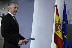 El ministro del Interior en funciones, Fernando Grande-Marlaska, al inicio de su comparecencia en Moncloa.