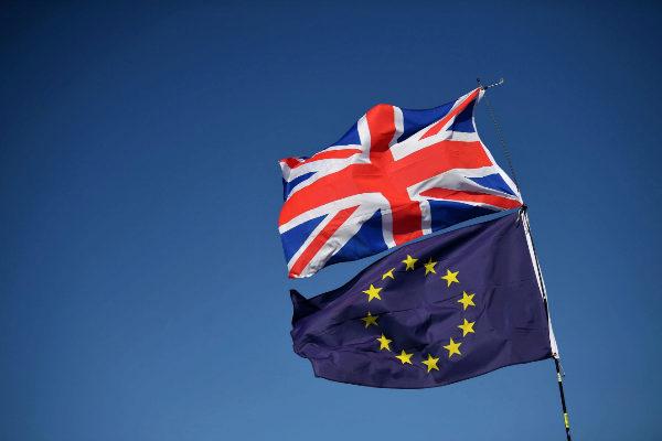 Así afecta el acuerdo de Boris Johnson a los españoles en el Reino Unido y a los británicos en la UE