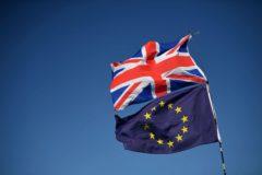 Las banderas de la Unión Europea y la de Reino Unido ondeando en Brighton.
