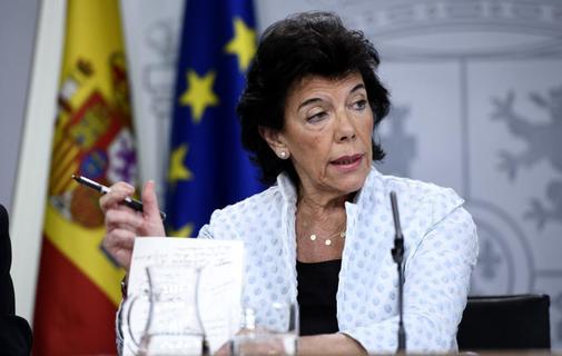 La portavoz del Gobierno en funciones, Isabel Celaá, en una rueda de...