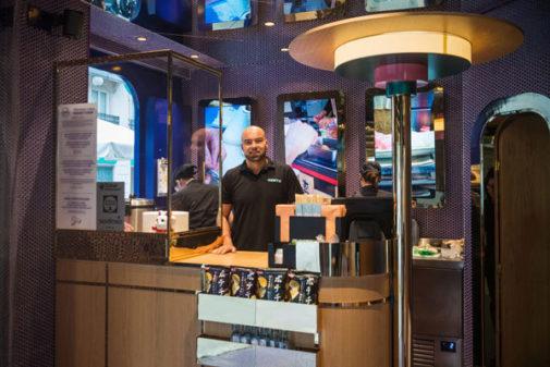 El fundador de las tiendas Kento, Eduardo Hijlkema, en uno de sus establecimientos.
