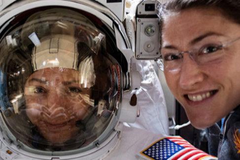 Las astronautas Christina Koch y Jessica Meir protagonizan el primer paseo espacial solo de mujeres