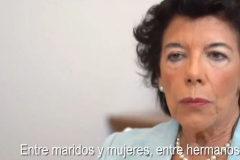 Un fotograma de uno de los vídeos de la campaña que recoge la intervención de la ministra portavoz en funciones, Isabel Celaá.