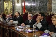 El presidente del tribunal y ponente de la sentencia, Manuel Marchena, junto a los magistrados.