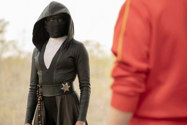 La actriz Regina King, como 'Sister Night', en la serie 'Watchmen'.