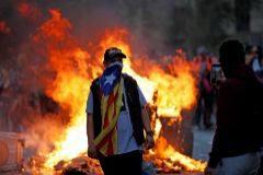 Manifestantes durante las protestas de Cataluña.