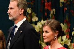 Los Reyes de España, la princesa de Asturias (izqda.) y la Infanta Sofía, en la entrega de los Premios Princesa de Asturias, este viernes.
