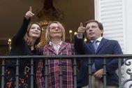Levy, Menéndez y Almeida, este viernes, en el Teatro Español.