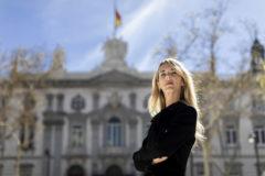 Cayetana Álvarez de Toledo, frente a la sede del Tribunal Supremo, que acaba de sentenciar a los políticos que capitanearon el 'procés'