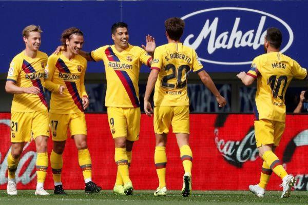 GRAF3193. EIBAR. Los jugadores del FC Barcelona celebran el gol de...