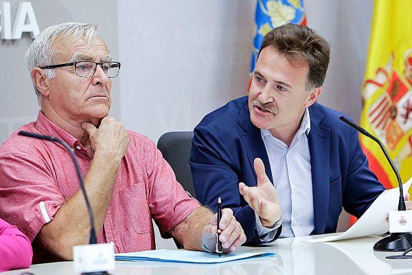 Ribó y Grezzi conversan durante una comparecencia reciente.