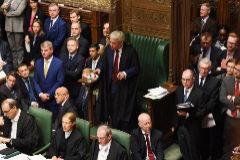 El 'speaker' del Parlamento británico, John Bercow, se dirige a los diputados.
