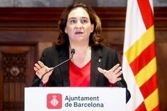 """Colau urge a Sánchez y Torra a """"dialogar en privado"""" y """"con responsabilidad"""""""