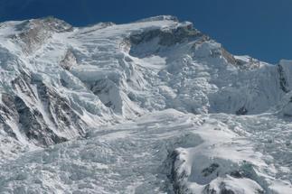 """Muere un montañero español en el Himalaya: """"Estaban escalando de manera ilegal"""""""
