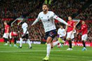 Lallana celebra su gol en Old Trafford.