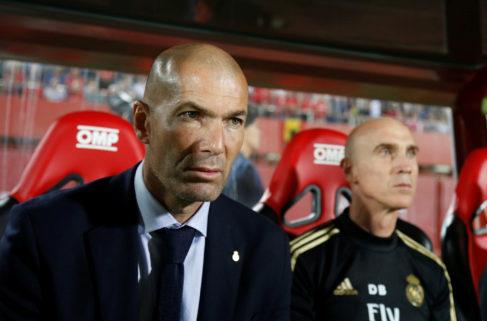 Situación límite para Zidane en Estambul... con Mourinho en la recámara