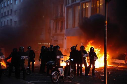 Una de las jornadas de violencia que se ha vivido en Barcelona tras...