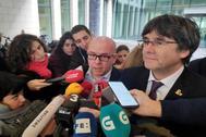 Gonzalo Boye, junto a Carles Puigdemont, el pasado viernes en Bruselas.