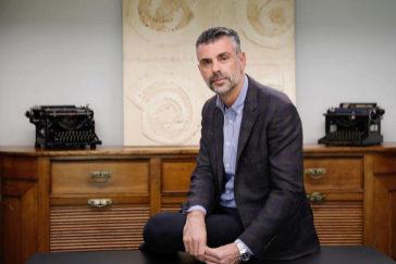 El ex consejero catalán de Empresa y Conocimiento, Santiago Vila, en un momento de la entrevista a EL MUNDO, en Barcelona.
