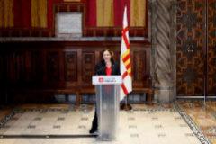 La alcaldesa de Barcelona, Ada Colau, en una comparecencia, este domingo, en el ayuntamiento.