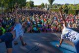 Sean Phelps y  Xuan Lan, durante la sesión de yoga que abrió Wanderlust en Madrid.