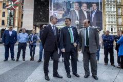 Urkullu, Esteban y Ortuzar durante la presentación de la lista del PNV a las generales de 2016.