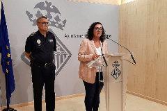 La concejala de Seguridad Ciudadana, Joana Maria Adrover, con el aún Jefe de la Policía Local de Palma, Josep Palouzié.