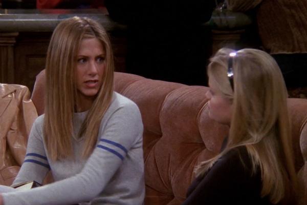 Jennifer Aniston y Reese Witherspoon en Friends