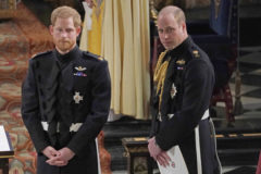Harry y William en la capilla de San Jorge