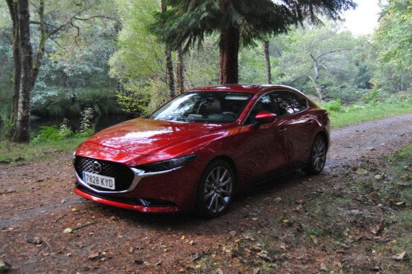 Mazda3 Sedán
