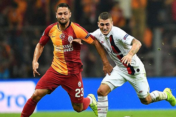 Andone (izda.) junto a Verrati, en el Galatasaray-PSG.