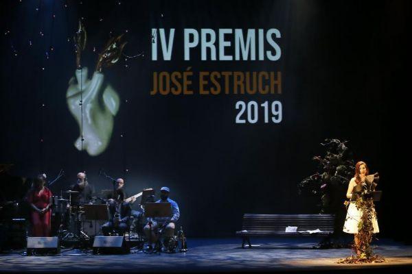 Elena Candela ha presentado la gala acompañada por la música de Orjazzmic.