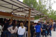 Asistentes a la Feria Utiel Gastronómica.