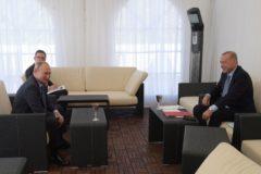 Vladimir Putin se reúne con su homólogo turco, Recep Tayyip Erdogan.