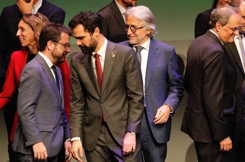 ERC pide ayuda a los empresarios catalanes para frenar la deriva de Quim Torra