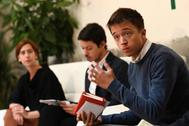 De izqda. a dcha., Laura Carenas, Segundo González e Íñigo Errejón, en la presentación del programa.