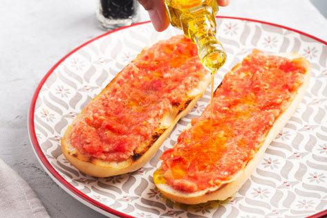 cuantas calorias tiene una tostada con tomate y jamon