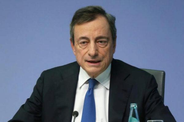 Draghi se despide del BCE sin subir tipos y avisa de