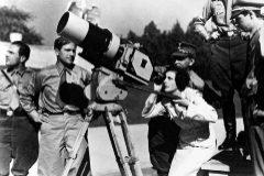 La directora Alemana Leni Riefensthal en el rodaje de 'El triunfo de la voluntad', en 1934.