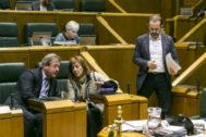 El Parlamento da cuatro meses al Gobierno para iniciar el cambio en la gestión de los comedores escolares