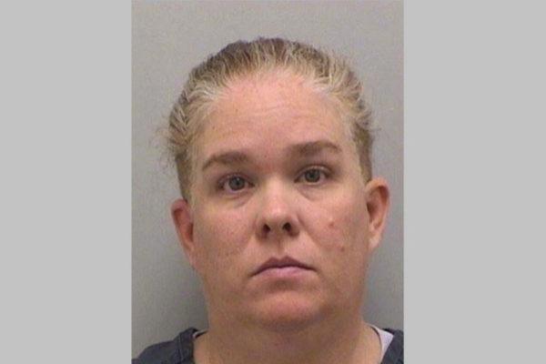 Acusan a una madre de asesinar a su hija tras recaudar fondos para la falsa enfermedad terminal de la niña