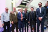 De izq. a dcha., Fermín Cacho, Ramiro Larragán (Huawei), J. I. Gallardo (Marca), Alberto Contador, Nicola Speroni (Unidad Editorial) y Jorge Garbajosa .