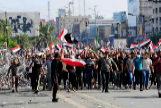 Miles de personas se dirigen a la Zona Verde de Bagdad.