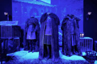 Vestuario de Jon Snow y Alliser Thorne en el Castillo Negro.