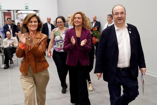 Carmen Calvo, Meritxell Batet y Miquel Iceta, representantes...